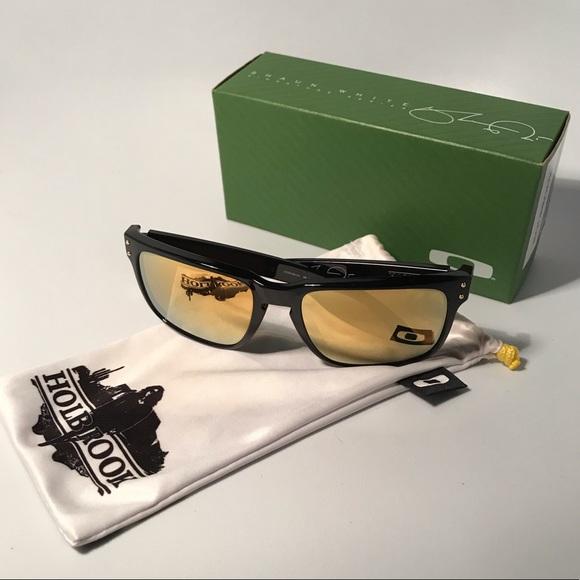 56cf76a9ab8a3 Oakley Shaun White Holbrook Sunglasses. M 5c27eaf3aa877056b35d9413